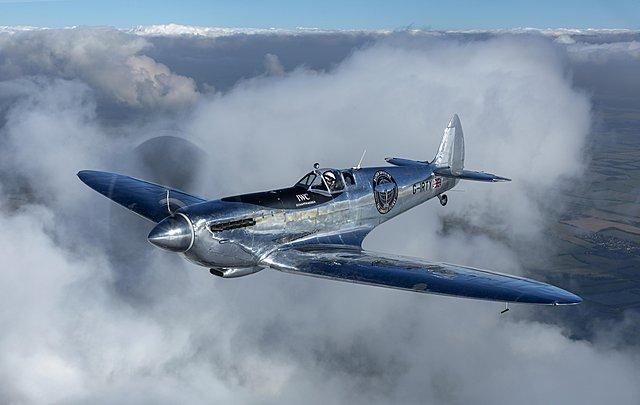 Silver Spitfire : Ολοκληρώθηκε η αναπαλαίωση του εμβληματικού αεροσκάφους