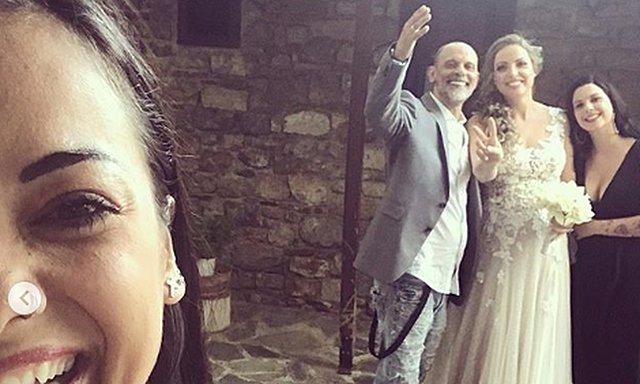 Παντρεύτηκε ο Τζώνυ Θεοδωρίδης την κατά 18 χρόνια νεότερη σύντροφο του! Αυτές είναι οι πρώτες φωτογραφίες του γάμου τους [Photos]