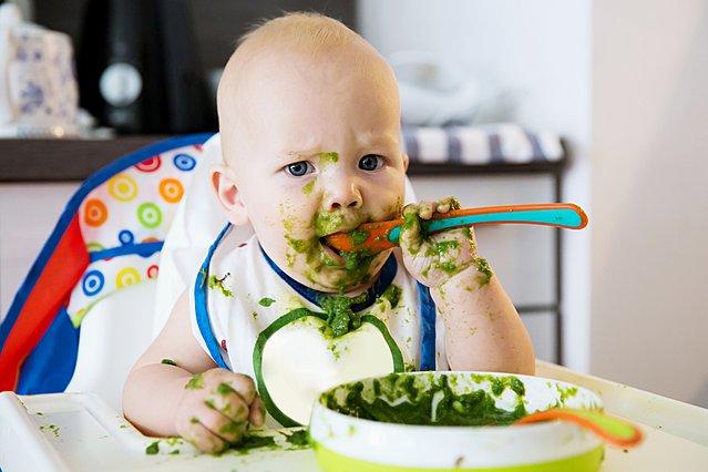 Tι πρέπει να τρώει το μωρό σου στον πρώτο χρόνο της ζωής του