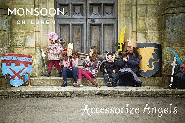 Accessorize Angels: στηρίζουν τα Παιδικά Χωριά SOS!