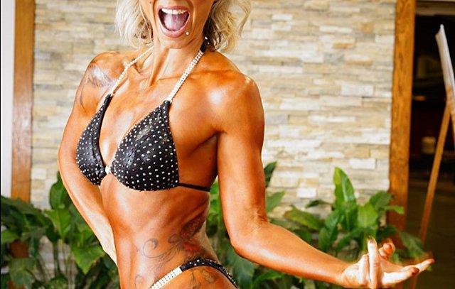Η Μαρλέν από τις «Hi 5» αγνώριστη σε αγώνες bodybuilding 15 χρόνια μετά τη διάλυση του συγκροτήματος!