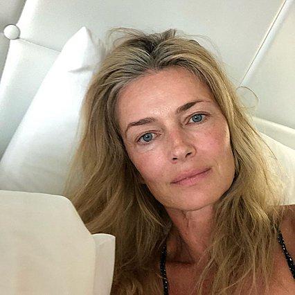 Paulina Porizkova: Η 54χρονη καλλονή ποζάρει χωρίς μακιγιάζ αποκαλύπτοντας το μόνο πράγμα που έχει κάνει στο πρόσωπό της