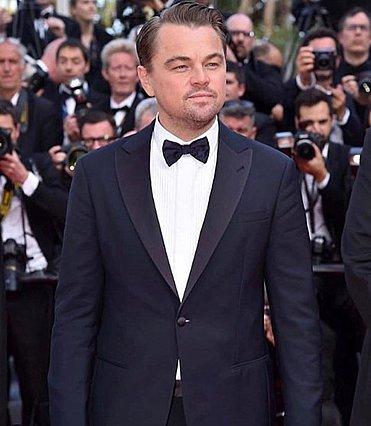 Ο Brad Pitt ρώτησε τον Leonardo diCaprio αν χωρούσε τελικά πάνω στην πόρτα