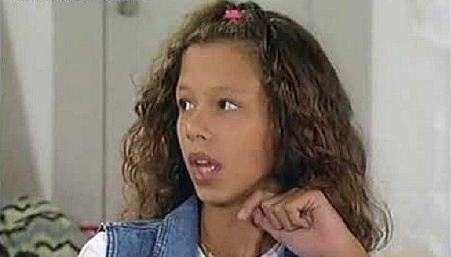 Αλεξάνδρα Νικολαΐδου: Η τηλεοπτική κόρη της Λίλας Καφαντάρη από το  Καληνύχτα Μαμά  έκλεισε τα 35-Δείτε πως είναι σήμερα!