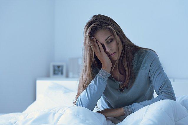 Η έλλειψη ύπνου δεν είναι μόνο κακή για την υγεία αλλά μπορεί να σου προσθέσει και βάρος