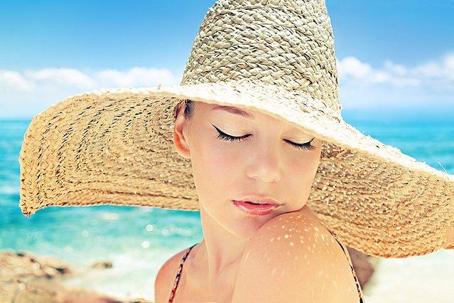 Έγκαυμα από τον ήλιο; 5 απλά βήματα για να ανακουφιστείς