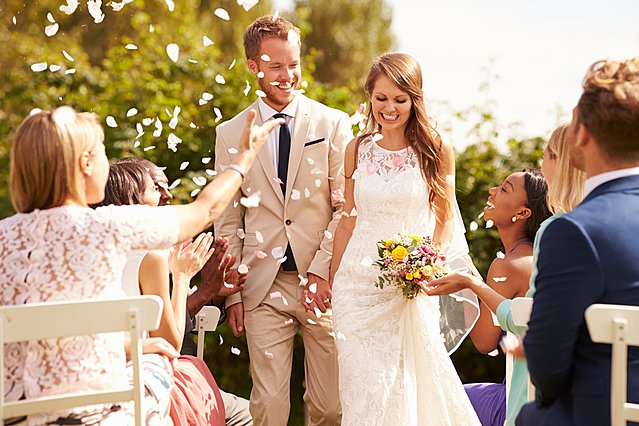 Οι 3 απαράβατοι κανόνες που πρέπει να ακολουθούν οι καλεσμένοι ενός γάμου