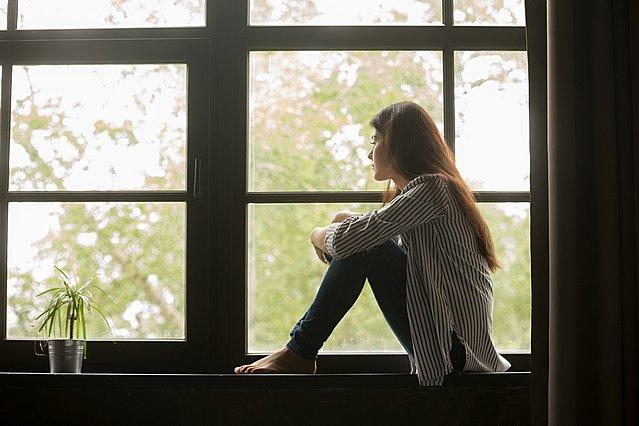 Αισθάνεσαι συχνά νοσταλγία; Τα ψυχολογικά οφέλη και οι παγίδες