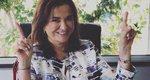 Ντόρα Μπακογιάννη: Η απίθανη φωτογραφία με τα έξι εγγόνια της και το κατακόκκινο πεντικιούρ