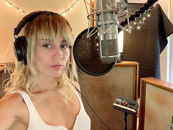 Miley Cyrus: Το δημόσιο παραλήρημα που δίνει τη δική της εκδοχή για τον χωρισμό