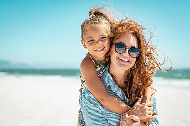 Ποιοι είναι οι κατάλληλοι τρόποι για να μιλήσεις με την κόρη σου για το σώμα της