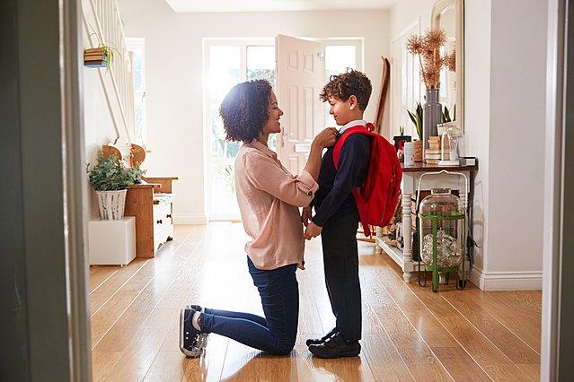 Πρώτη φορά στο σχολείο: Πώς θα καταπολεμήσεις το άγχος του παιδιού