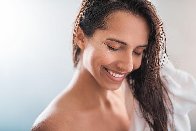 Λαδωμένα μαλλιά λίγο μετά το λούσιμο; Να τι φταίει