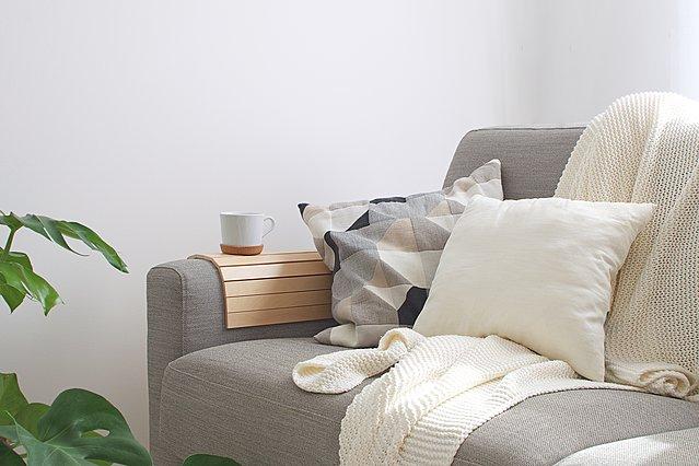Φτιάξε μόνη σου το ωραιότερο ριχτάρι για τον καναπέ