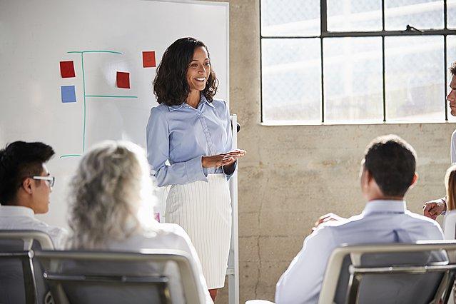 Πώς να αποκτήσεις περισσότερη αυτοπεποίθηση όταν μιλάς δημόσια