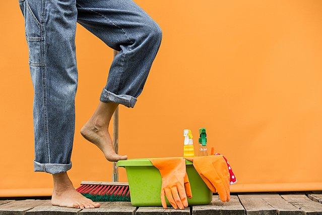 Φθινοπωρινή καθαριότητα: 6 δουλειές που πρέπει να κάνεις πριν αρχίσουν τα κρύα
