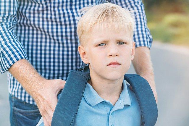 Το παιδί μου δεν θέλει να πάει σχολείο: Σχολική άρνηση ή άγχος αποχωρισμού;