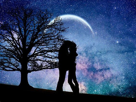Έρχεται Νέα Σελήνη - Πώς θα επηρεάσει την ερωτική σου ζωή