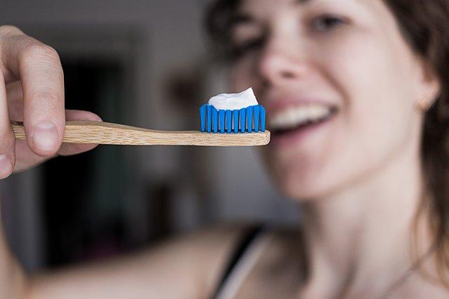Πώς να επιλέξεις την πιο κατάλληλη οδοντόβουρτσα για τα δόντια σου
