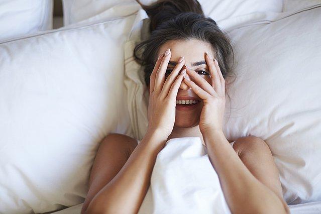 Τι να κάνεις πριν κοιμηθείς για να νιώσεις καλύτερα για την επόμενη μέρα