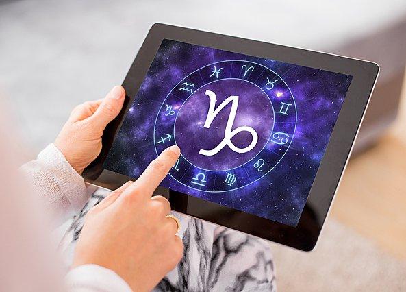 Zodiac cusp: Τι σημαίνει να έχεις γεννηθεί στο μεταίχμιο δύο ζωδίων