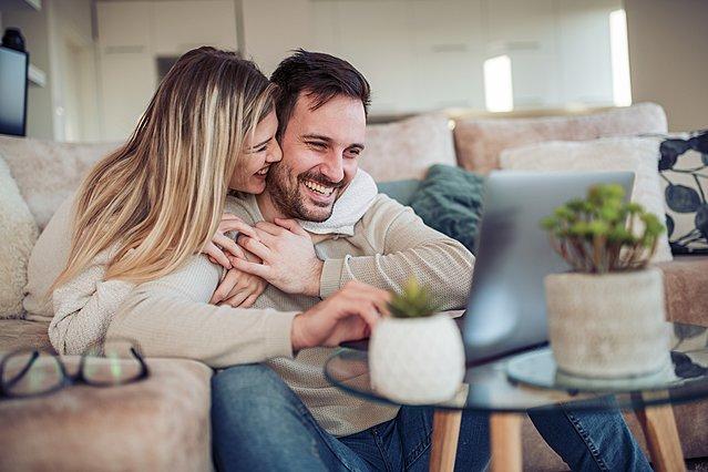 Άστρα κι έρωτας: Ποιοι είναι οι 3 συνδυασμοί ζωδίων που βέβαιο ότι θα καταλήξουν σε σχέση