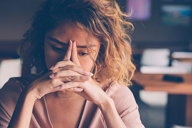 Νιώθεις κατάκοπη συναισθηματικά; Αυτά είναι τα 6 πράγματα που πρέπει να κάνεις για την ψυχική σου υγεία