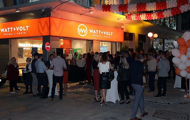 Λαμπερό πάρτι εγκαινίων από τη WATT+VOLT στο Περιστέρι