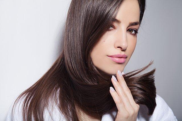 Τα καλύτερα tricks των κομμωτών για τέλεια μαλλιά