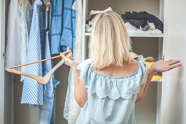 6 μυστικά για να μη σε τρελάνει η ντουλάπα σου