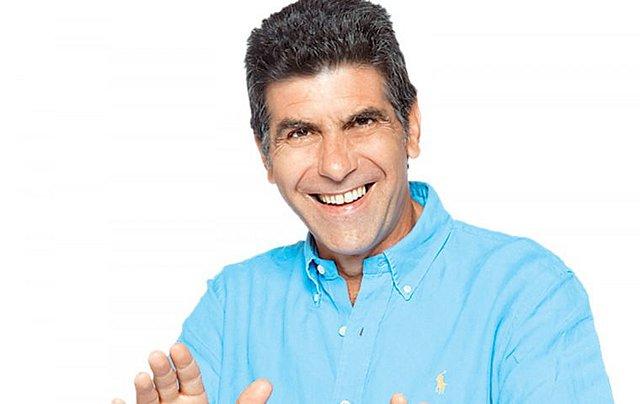 Γιάννης Μπέζος: Το πρόγραμμα που παρακολουθεί φανατικά στην TV και οι τηλεοπτικές ανοησίες που δεν αντέχει!