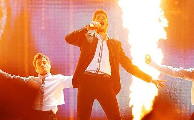 Αποκαλυπτικό: Ο Μητροπάνος δίδαξε στον Λούκα Γιώρκα πώς να χορέψει ζεϊμπέκικο στη Eurovision! [Βίντεο]