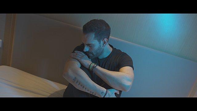 Στράτος Καραλής: Το μέλλον είναι εδώ! Δείτε το video clip του  Αχ και να ήσουνα εδώ