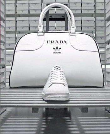 Η Prada και η Adidas αποκάλυψαν τα δύο πρώτα προϊόντα της συνεργασίας τους