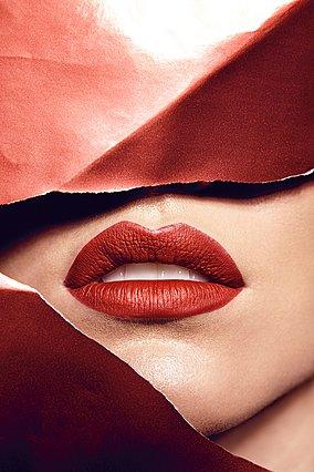 Πώς τα fillers υαλουρονικού μπορούν να παραμορφώσουν το πρόσωπο σου