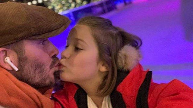 Όταν οι γονείς φιλούν στο στόμα τα παιδιά τους - Τι λένε οι ψυχολόγοι