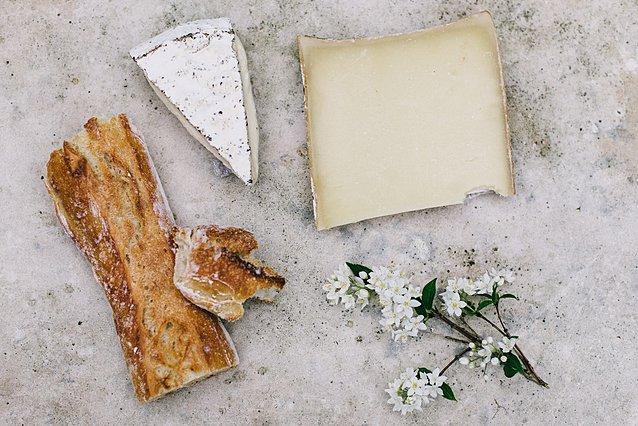 Μπορώ να βάλω τα τυριά μου στην κατάψυξη;