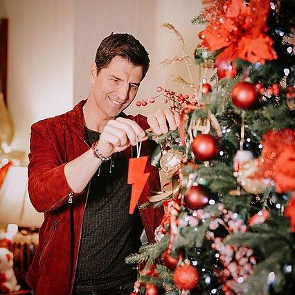Σάκης Ρουβάς: Έχεις δει τη χριστουγεννιάτικη φωτογραφία με την Κάτια και τα τέσσερα παιδιά τους;