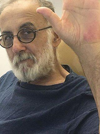 Πέθανε ο Θάνος Μικρούτσικος: Τα τελευταία μηνύματά του συγκλονίζουν