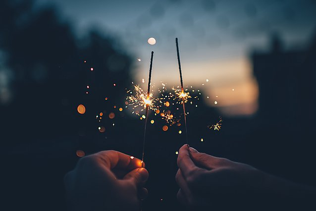 Οι λόγοι για τους οποίους οι γιορτές κάνουν καλό στην υγεία μας