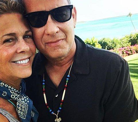Η Rita Wilson καμαρώνει για τον  Έλληνα  Tom Hanks με μια φωτογραφία από το Αιγαίο
