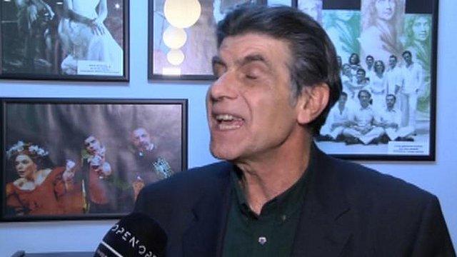 Έξαλλος έγινε ο Γιάννης Μπέζος με ερώτηση δημοσιογράφου! [Βίντεο]