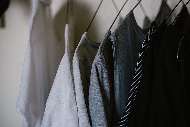 Οι τρόποι να μυρίζουν τα ρούχα της ντουλάπας σου όμορφα