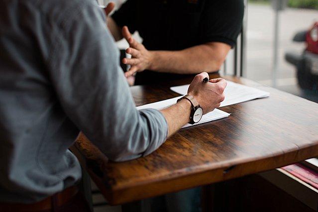 Συνέντευξη για δουλειά: 5 «αόρατα» τρικ που θα κάνει ο εργοδότης για να σε τεστάρει