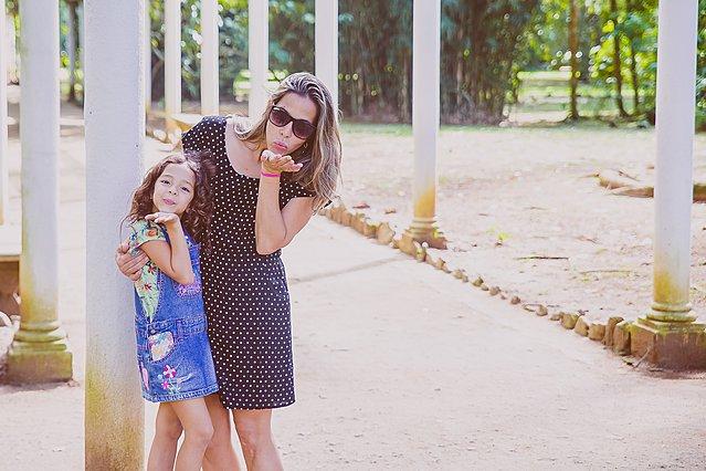 6 φράσεις που πρέπει να αποφύγεις όταν μιλάς στo παιδί σου και τι μπορείς να πεις στη θέση τους
