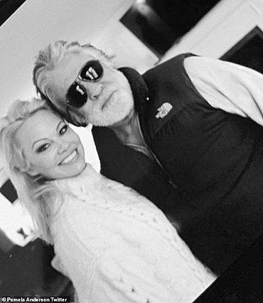 Διαζύγιο μόλις 12 μέρες μετά τον γάμο για την Pamela Anderson - Τι δήλωσε η ίδια
