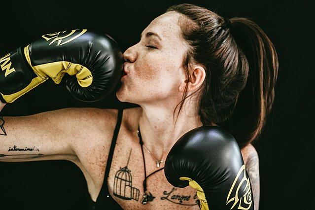 6 τρόποι για να αποφύγεις τα ανεπιθύμητα σπυράκια μετά τη γυμναστική
