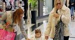 Ελεονώρα Μελέτη: Μαμά, γιαγιά και κόρη βγήκαν για ψώνια και η μικρή Αλεξάνδρα τράβηξε όλα τα βλέμματα πάνω της! [Photos]