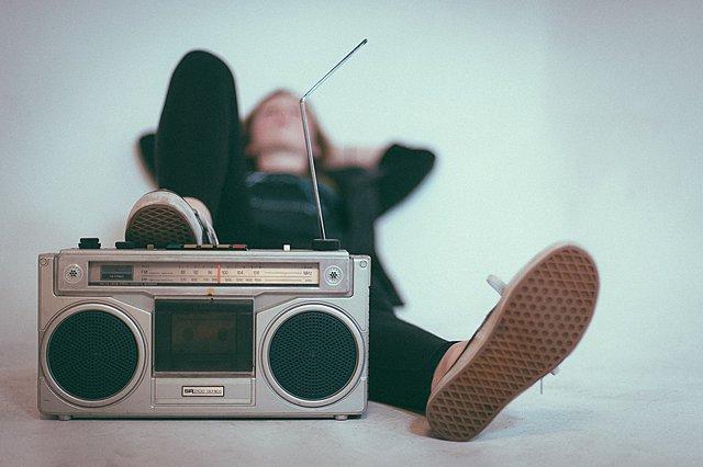 Παγκόσμια Ημέρα Ραδιοφώνου: Αυτό είναι το μόνο πράγμα που αξίζει να κάνεις σήμερα