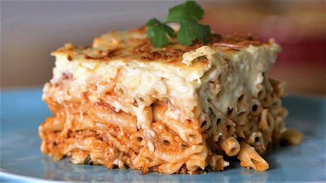 Παστίτσιο: Φτιάξε το αγαπημένο σου φαγητό με την πιο ελαφριά μπεσαμέλ